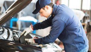 Read more about the article วิธีสำหรับการดูแลรถยนต์เบื้องต้นในแบบง่ายๆ